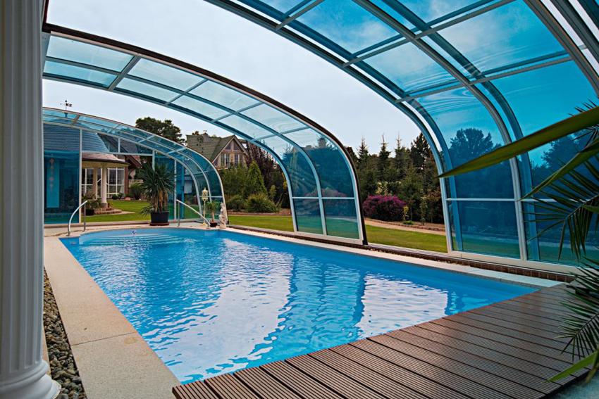 Aquacomet creative pool enclosure for Koi pool and sauna